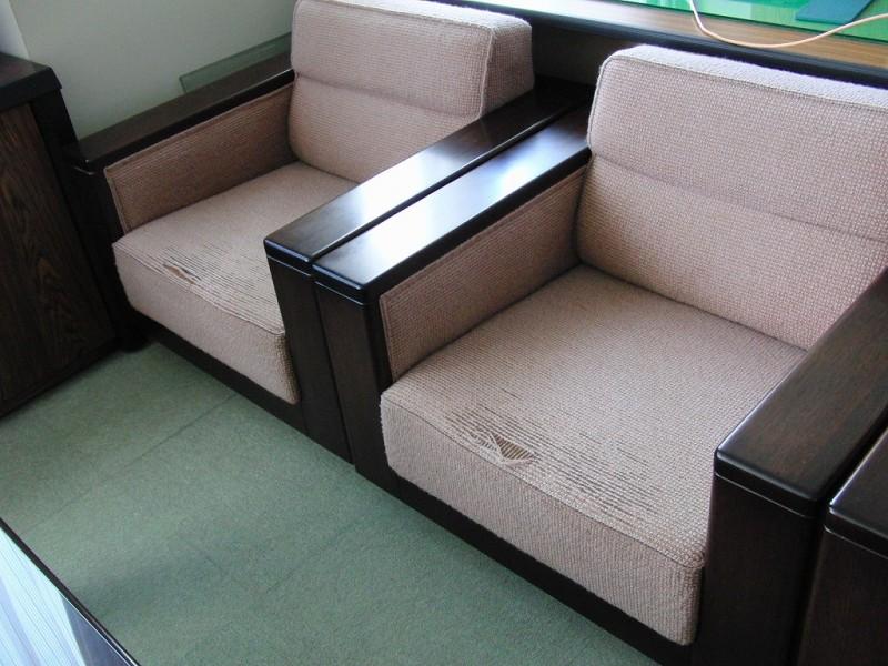事務所用椅子張り替え